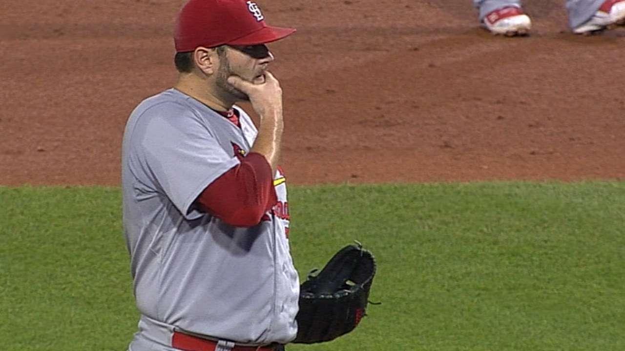 Bullpen falters as Cardinals fall in Pittsburgh