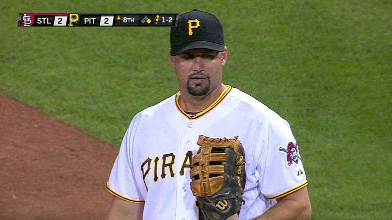 Pirates expect Alvarez to miss 4-6 weeks