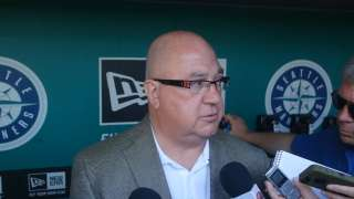Mariners sign GM Zduriencik to extension