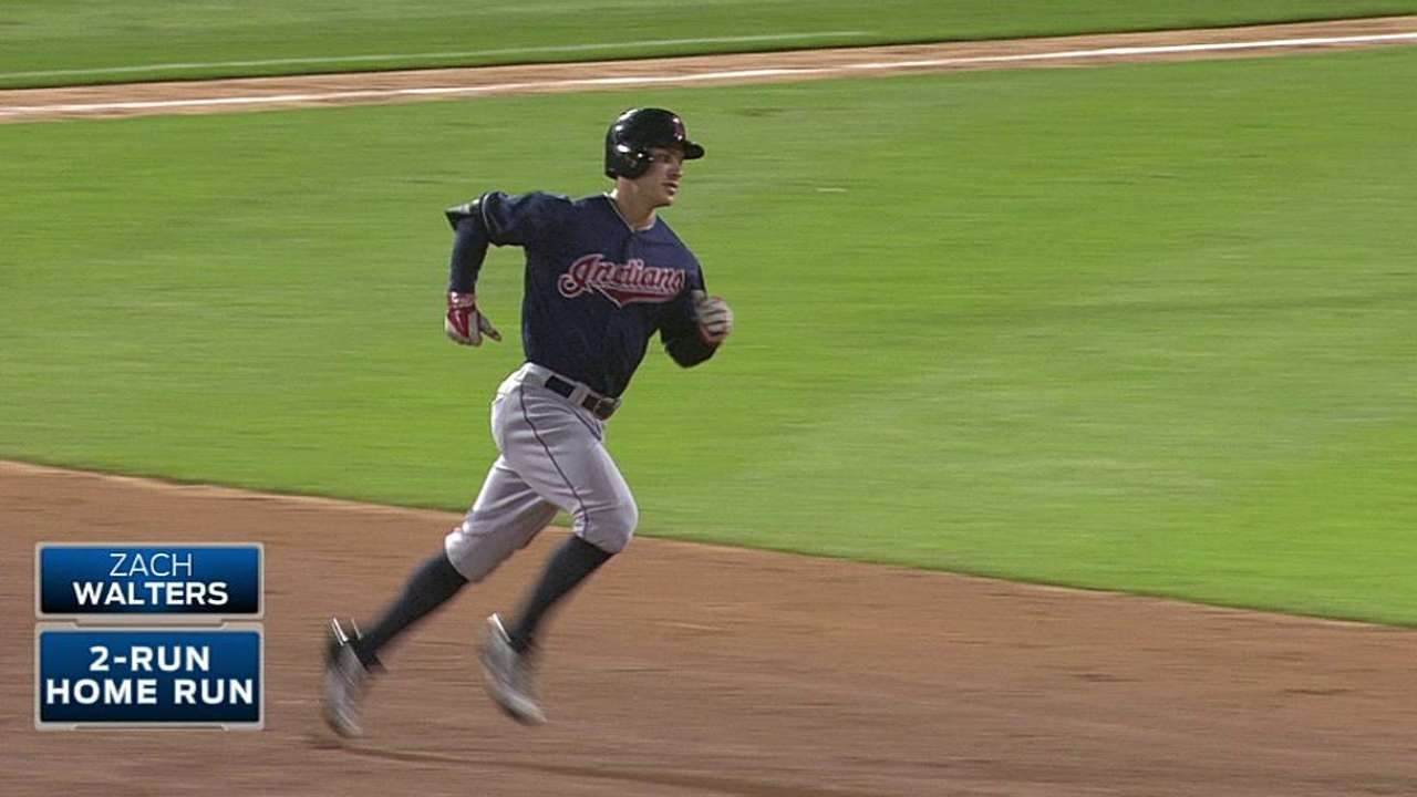 Walters' 10th-inning HR helps Tribe keep pace