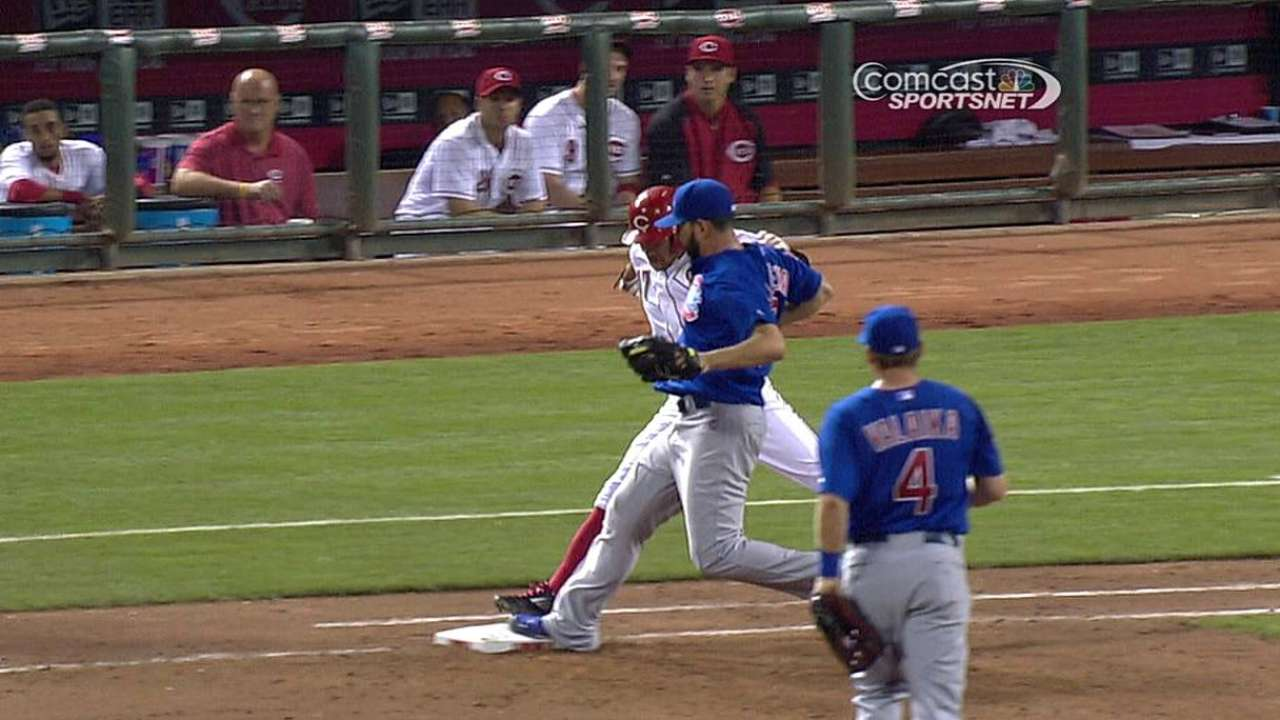 Cubs win challenge on safe call at first base