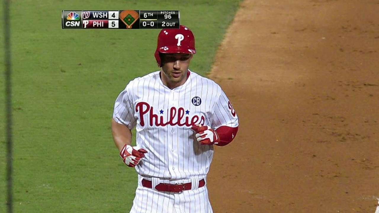 Sizemore's pinch-hit blast drives Phils' sweep