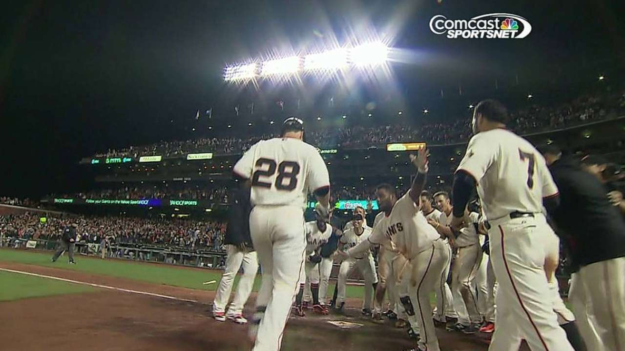 Posey's walk-off keeps Giants in Wild Card control