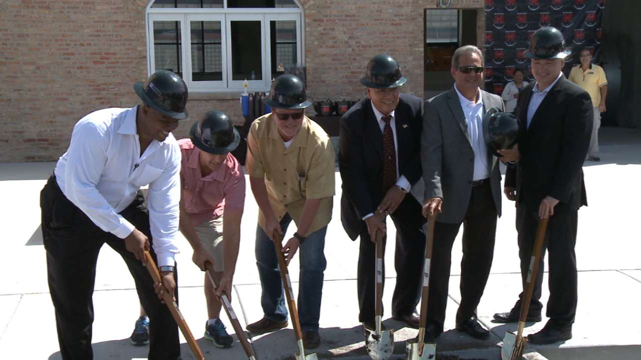 Thomas hosts Big Hurt Brewhouse groundbreaking
