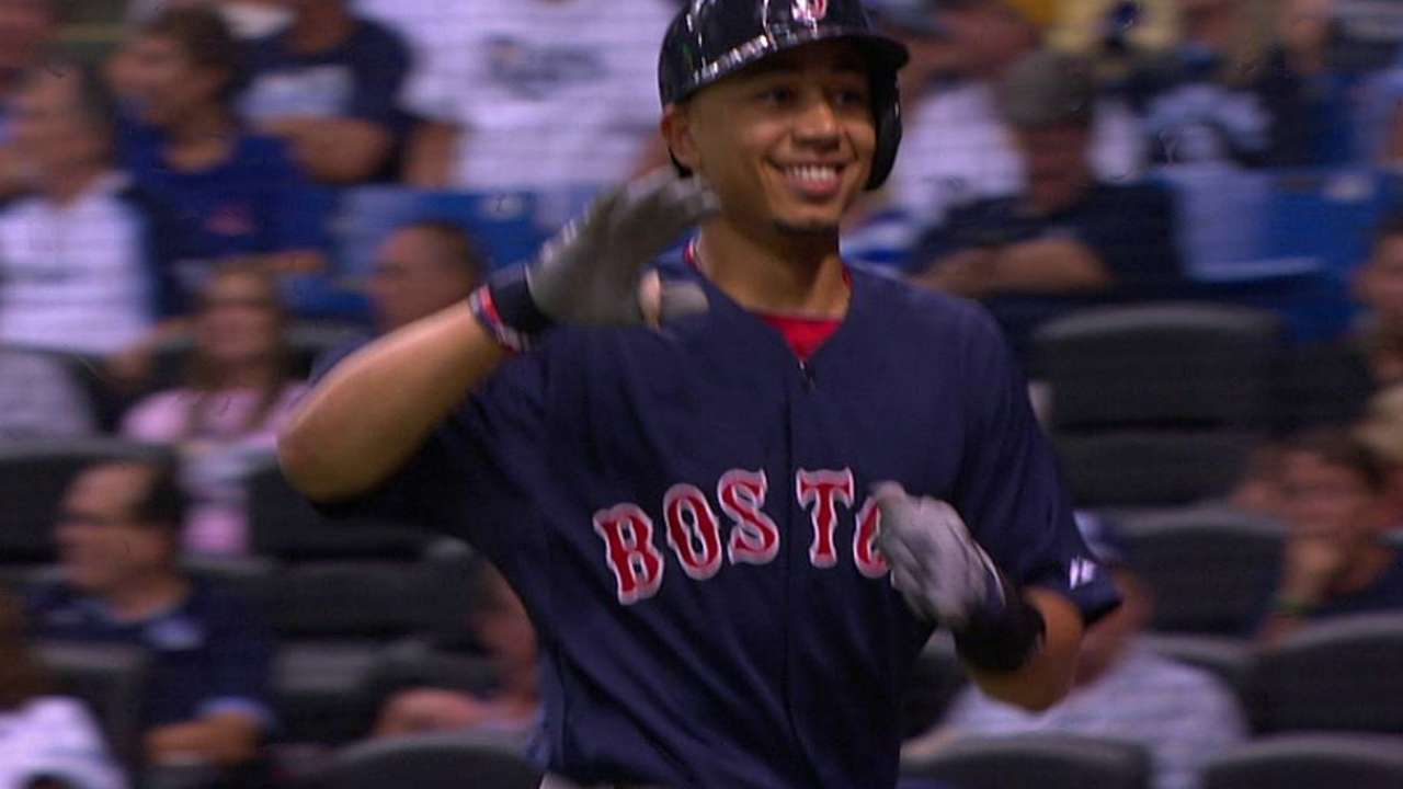 Grand slam de Betts le da triunfo a Boston en T.B.