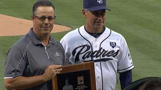 San Diego honors Hall of Famer Maddux