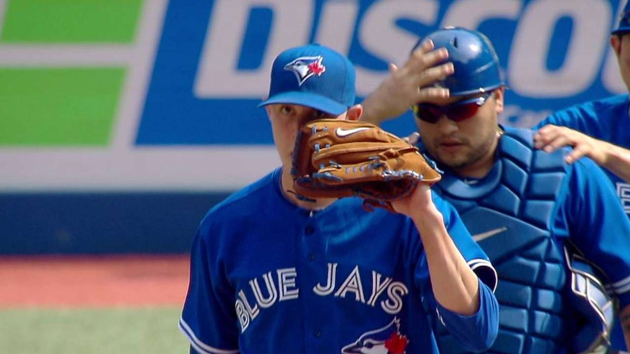 Sanchez's hot hand nets save for Blue Jays