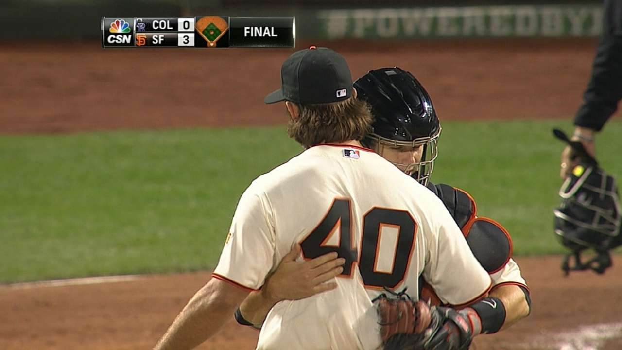 Bumgarner takes perfecto into eighth in one-hitter