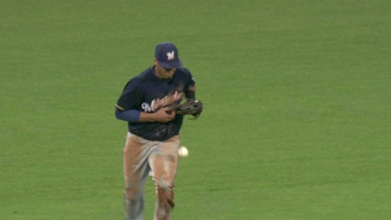 Gomez's catch restored after video review