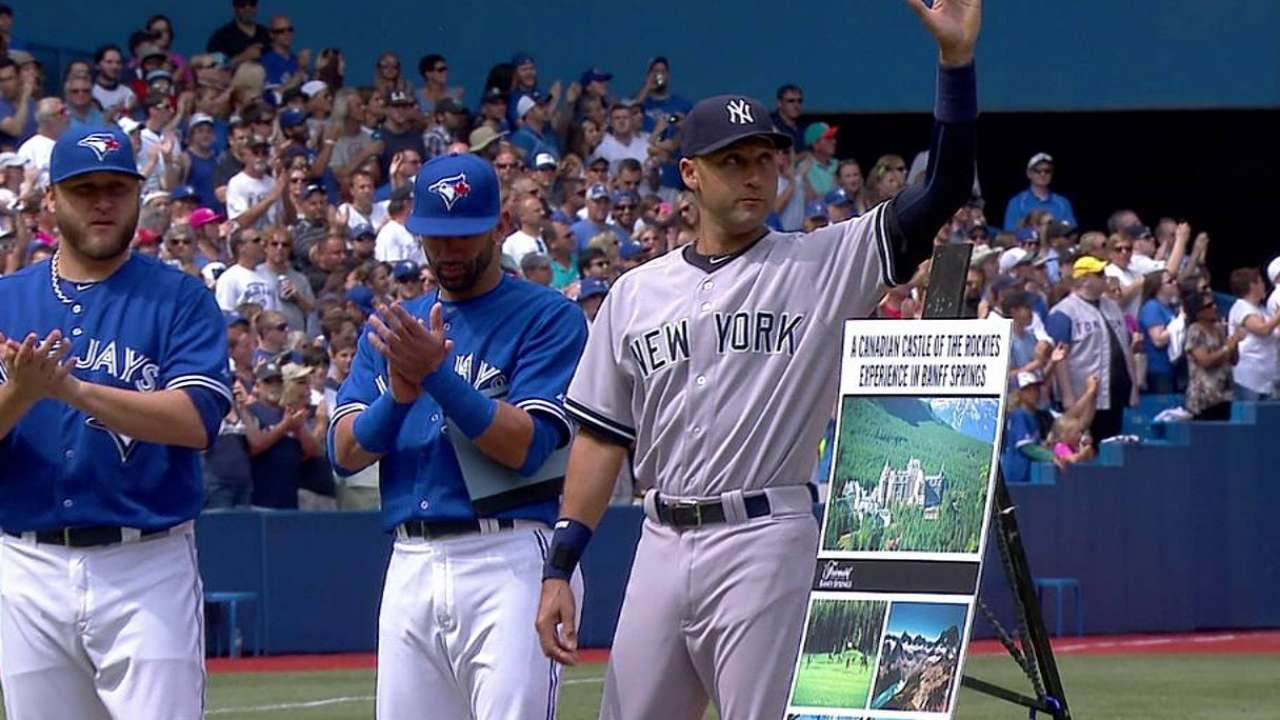 Jeter honored before series finale