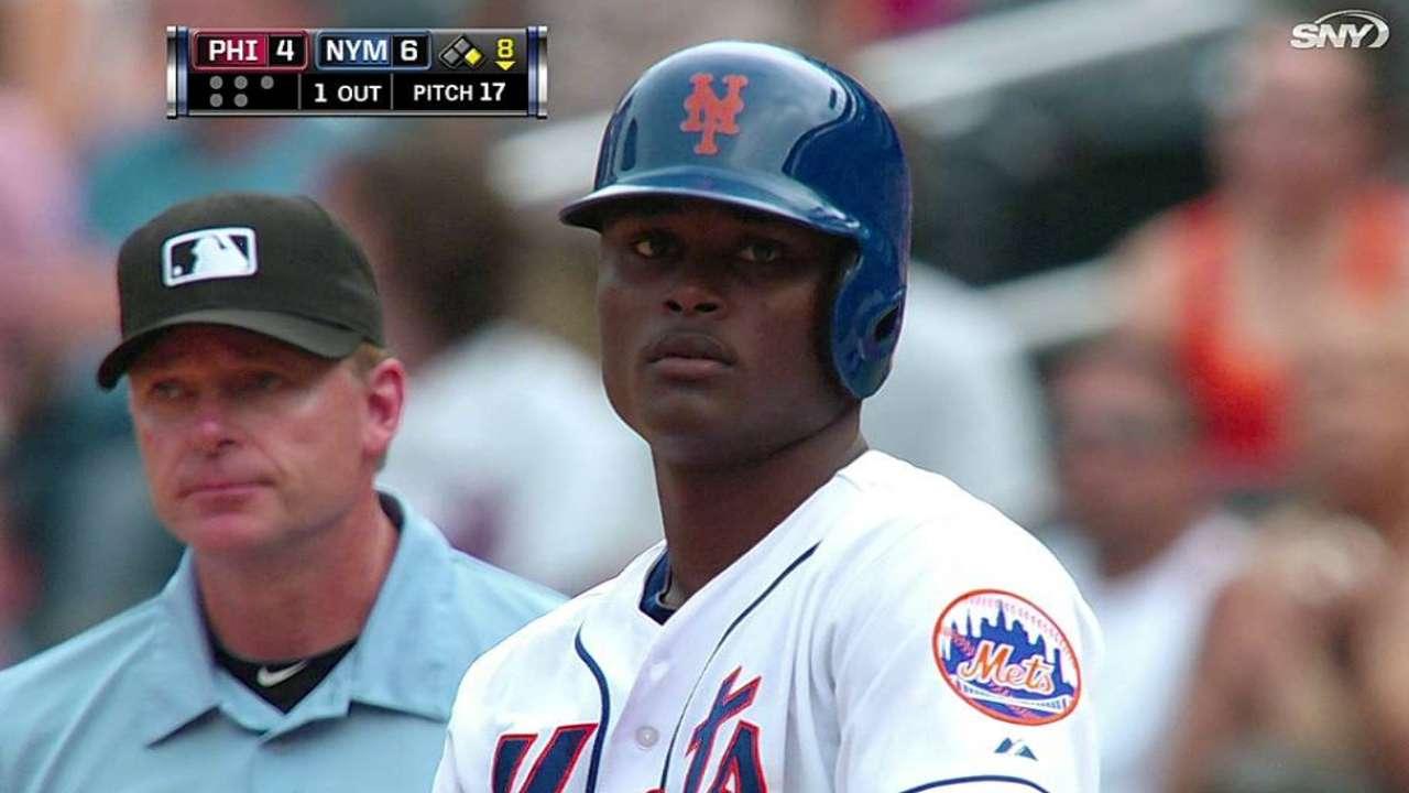 Jonrón de Recker clave en triunfo de Mets sobre Filis