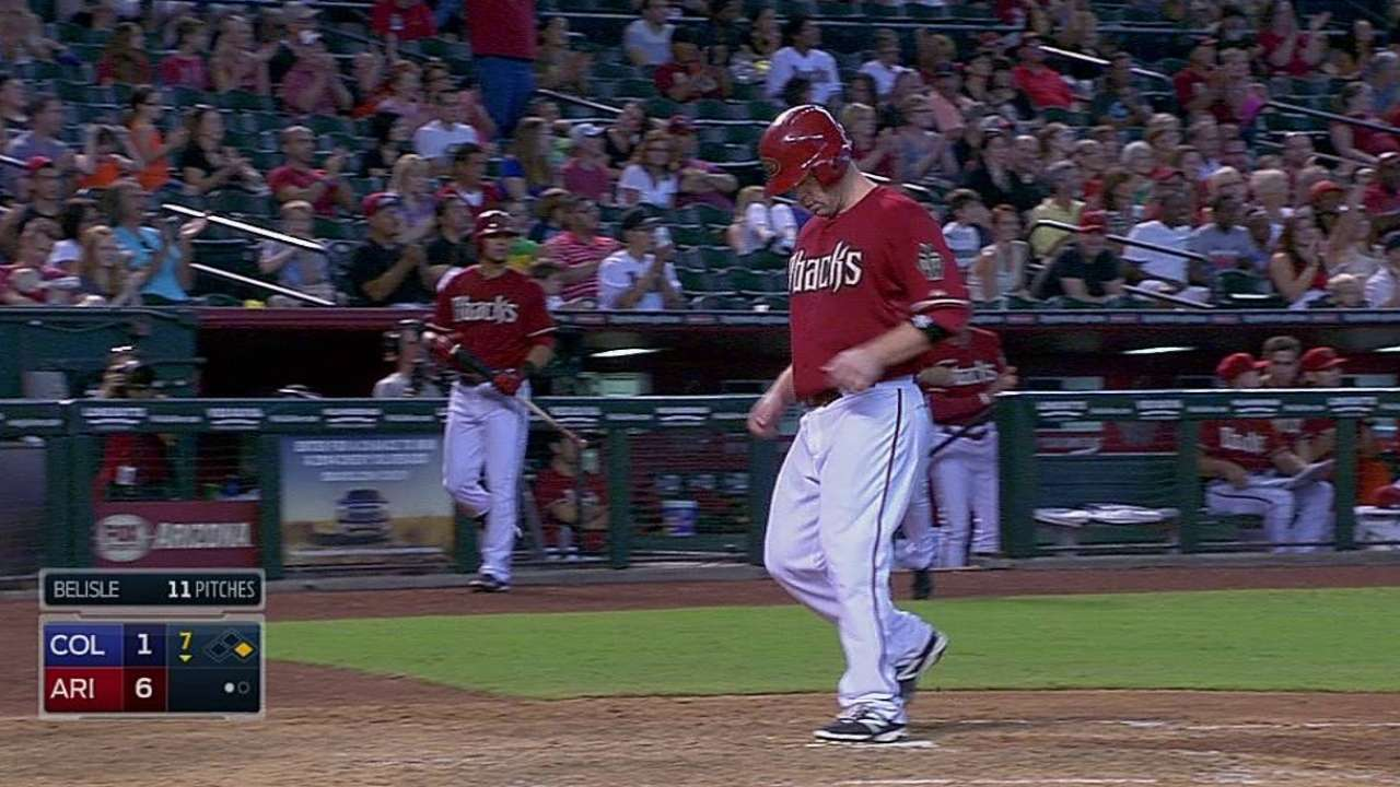 Trumbo seeks strong finish to tough year
