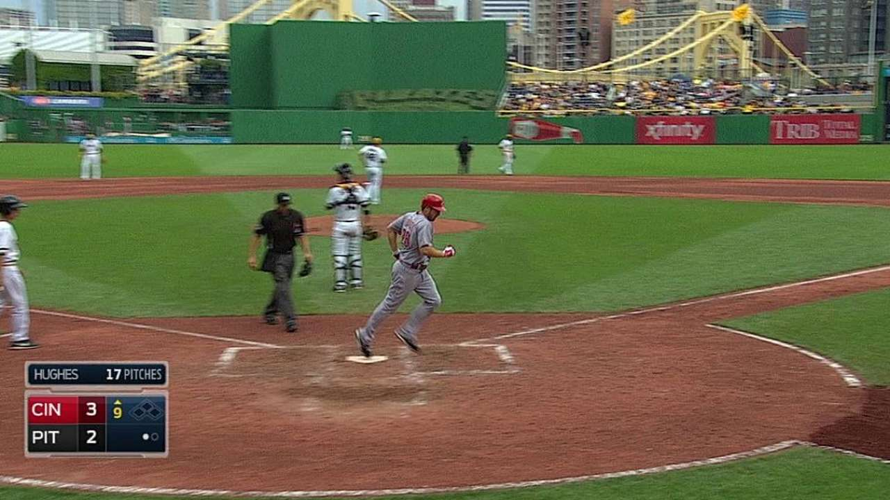 Heisey's second homer lifts Cueto, Reds in ninth