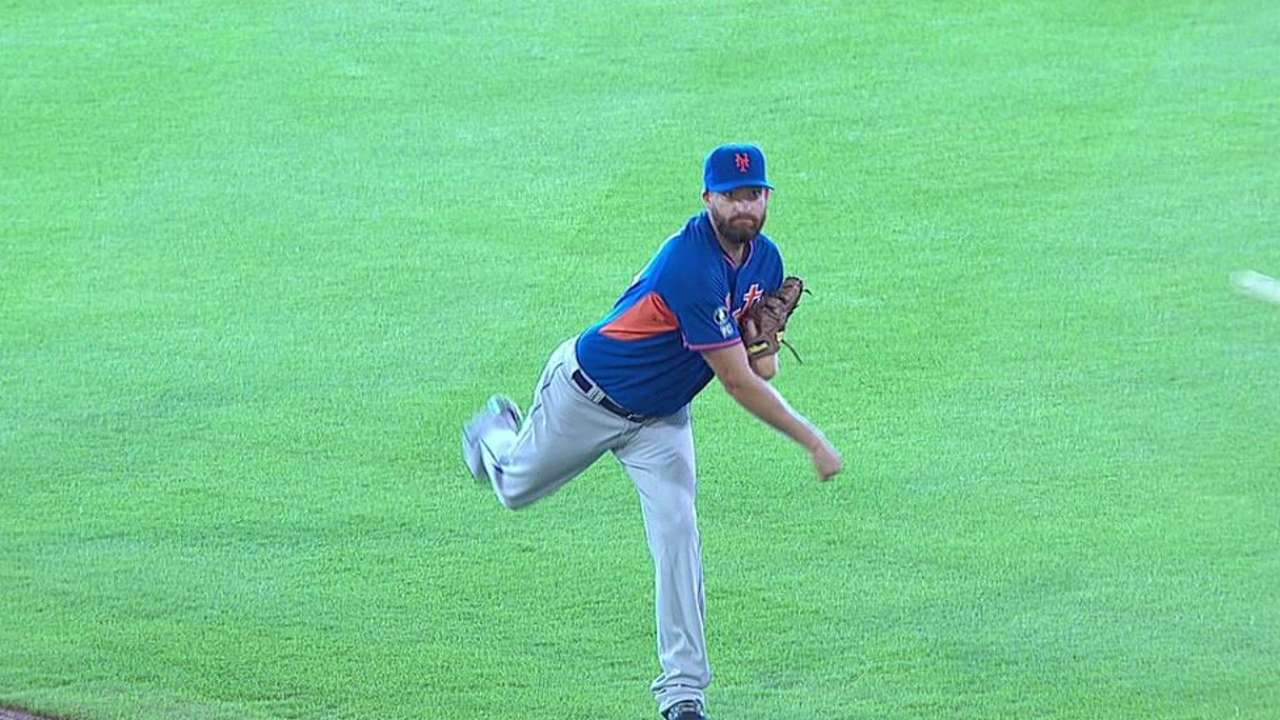 Mets, Parnell avoid arbitration with one-year deal