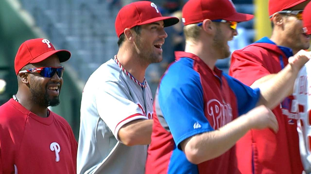 Hamels feels brotherly love in combined no-hitter