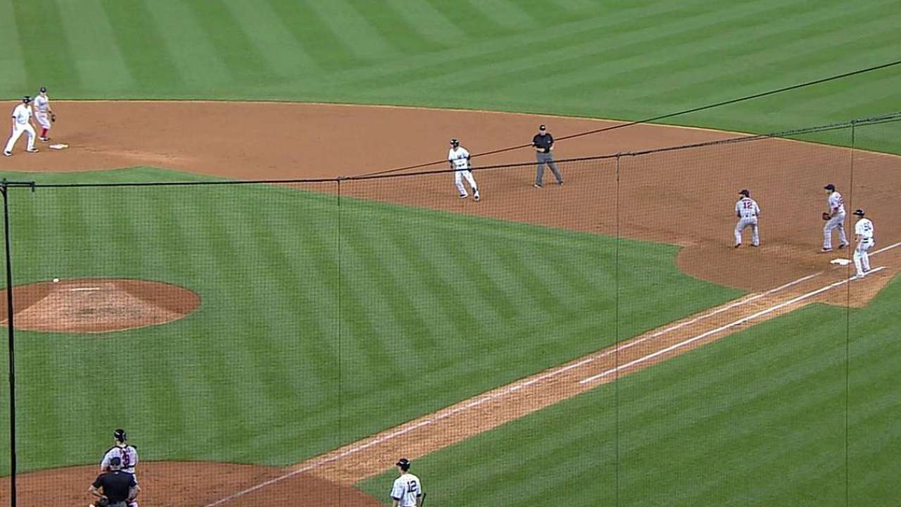 Baserunning blunder impacts fifth-inning rally