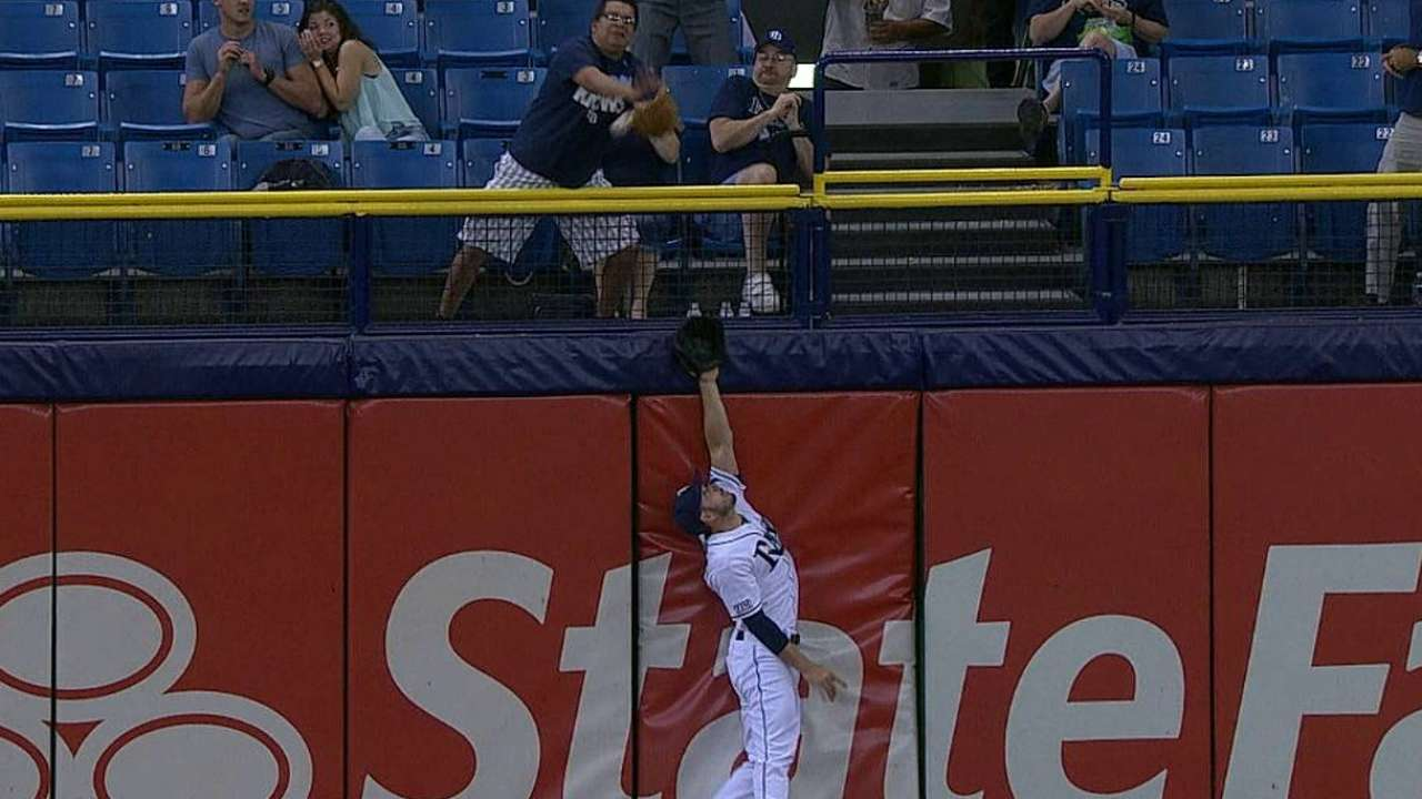 Edwin's homer stands; Loney safe after review