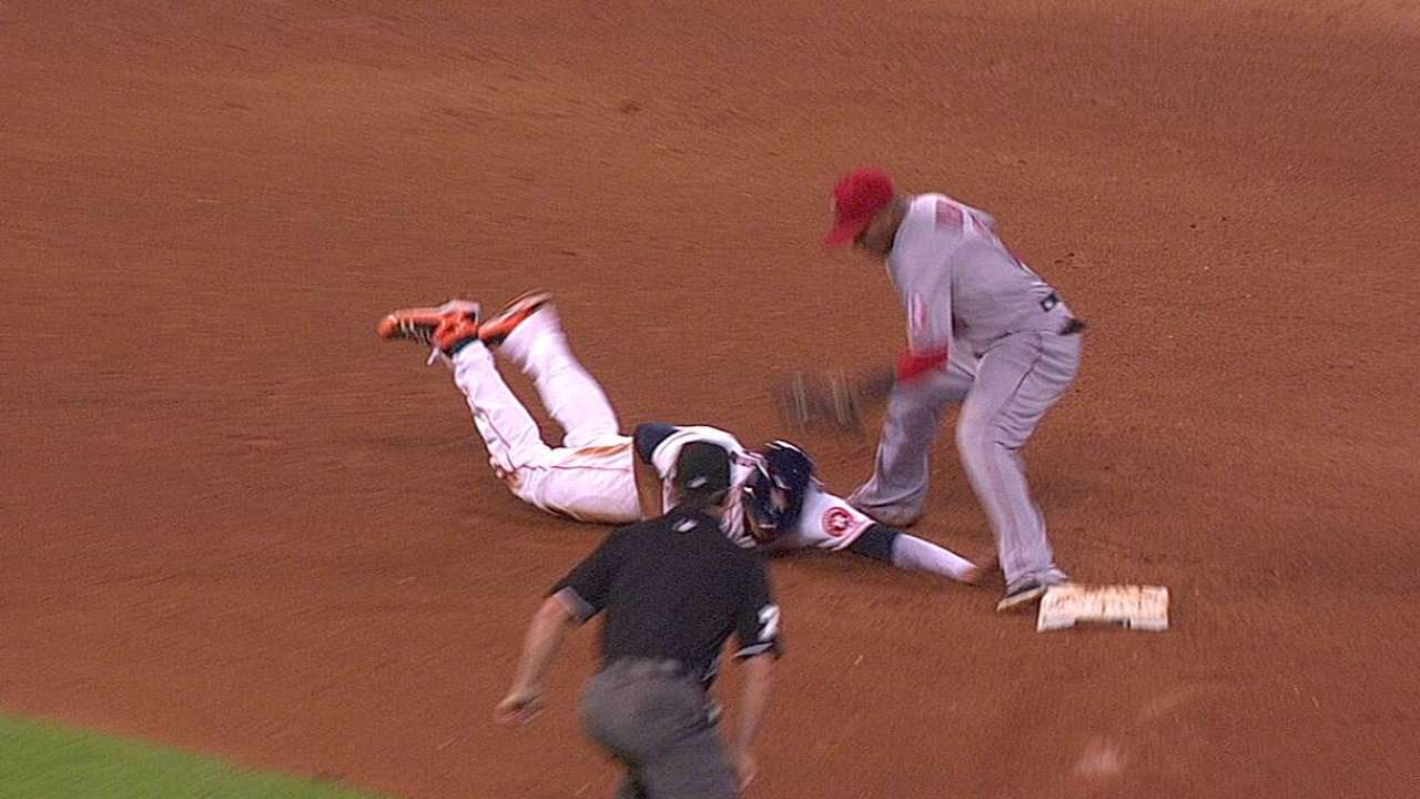 Scioscia successfully challenges call on pickoff