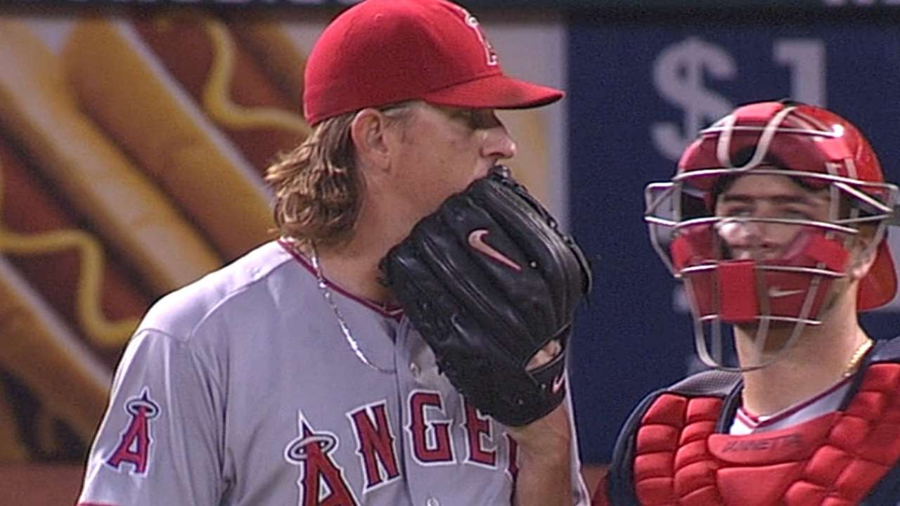 Angels retain West lead despite loss to Astros