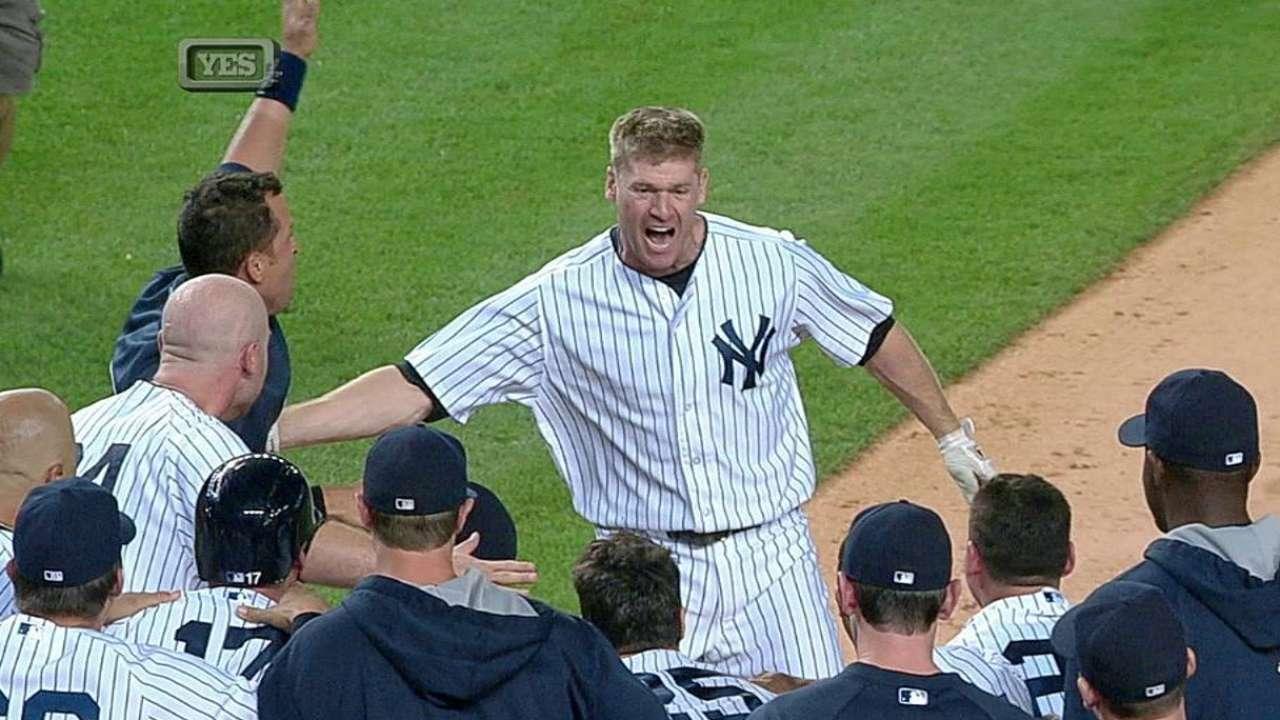 Yankees remontan en el 9no para vencer a Boston