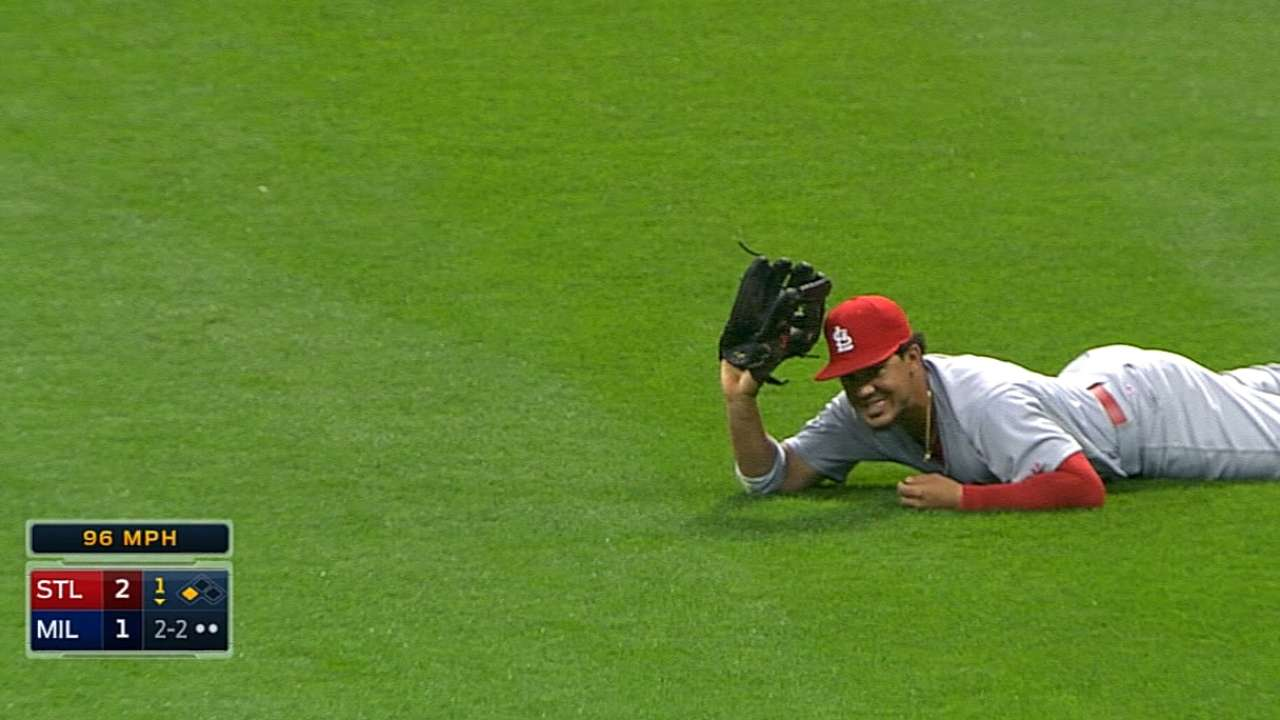 Cards start fast, up division lead over Brewers