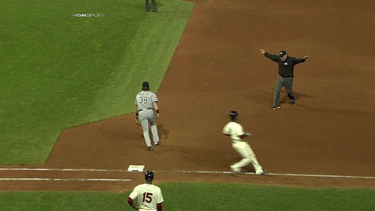 White Sox lose challenge of safe call at first base