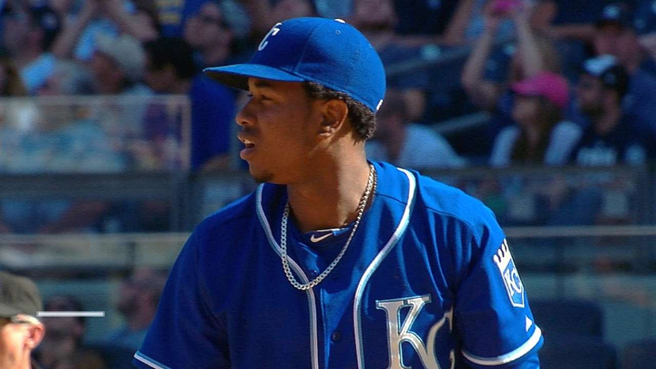 Royals continue playoff push with win over Yanks