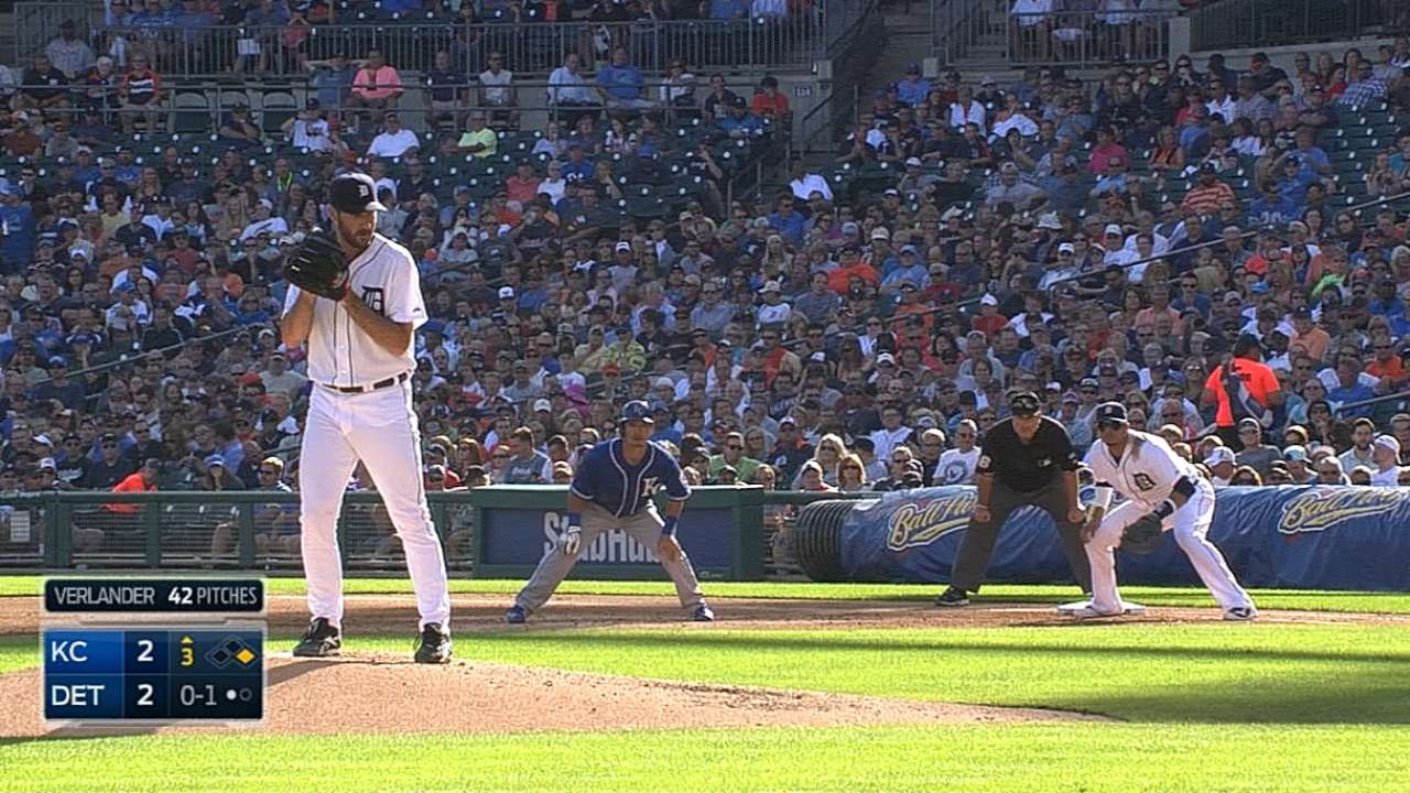 Ausmus stacks the deck for Royals series