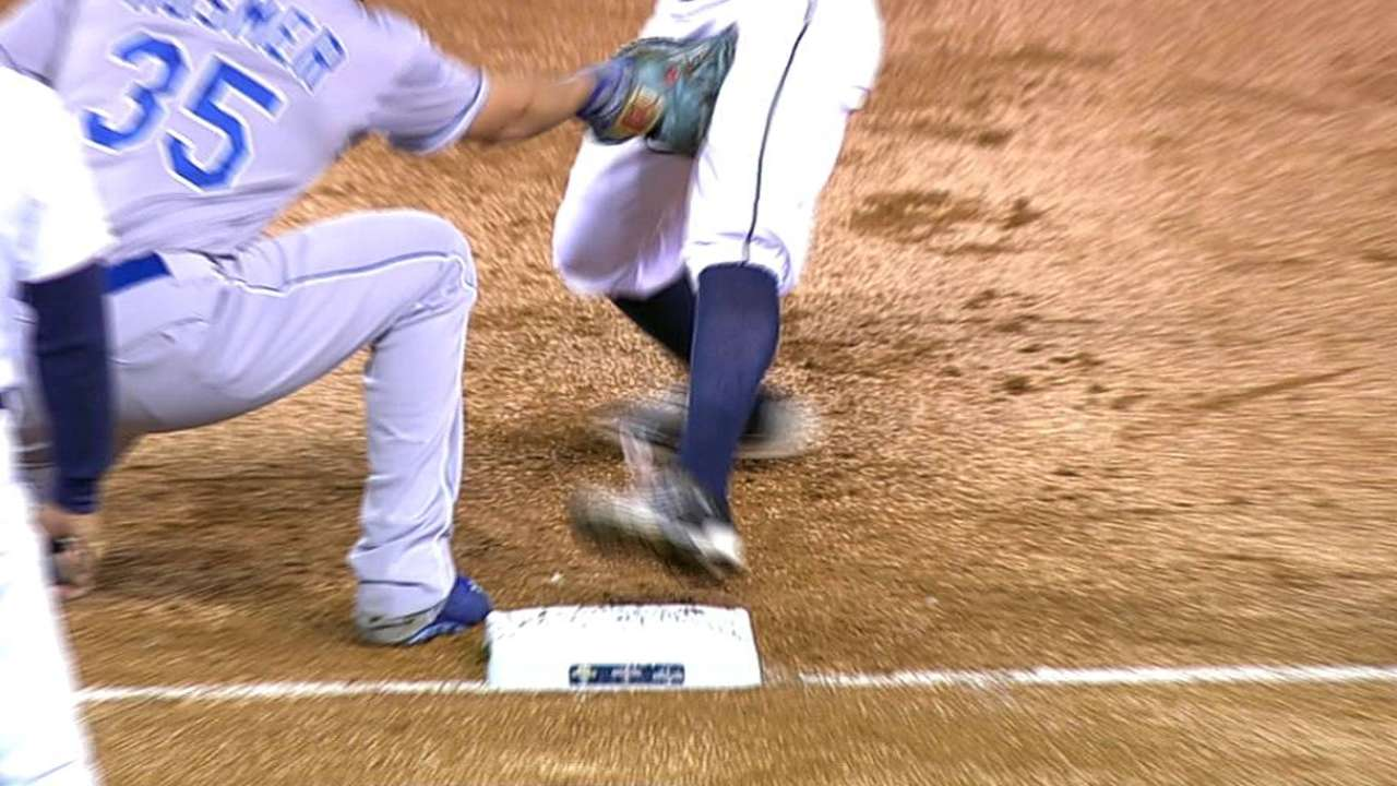 Royals win challenge on overturned pickoff play
