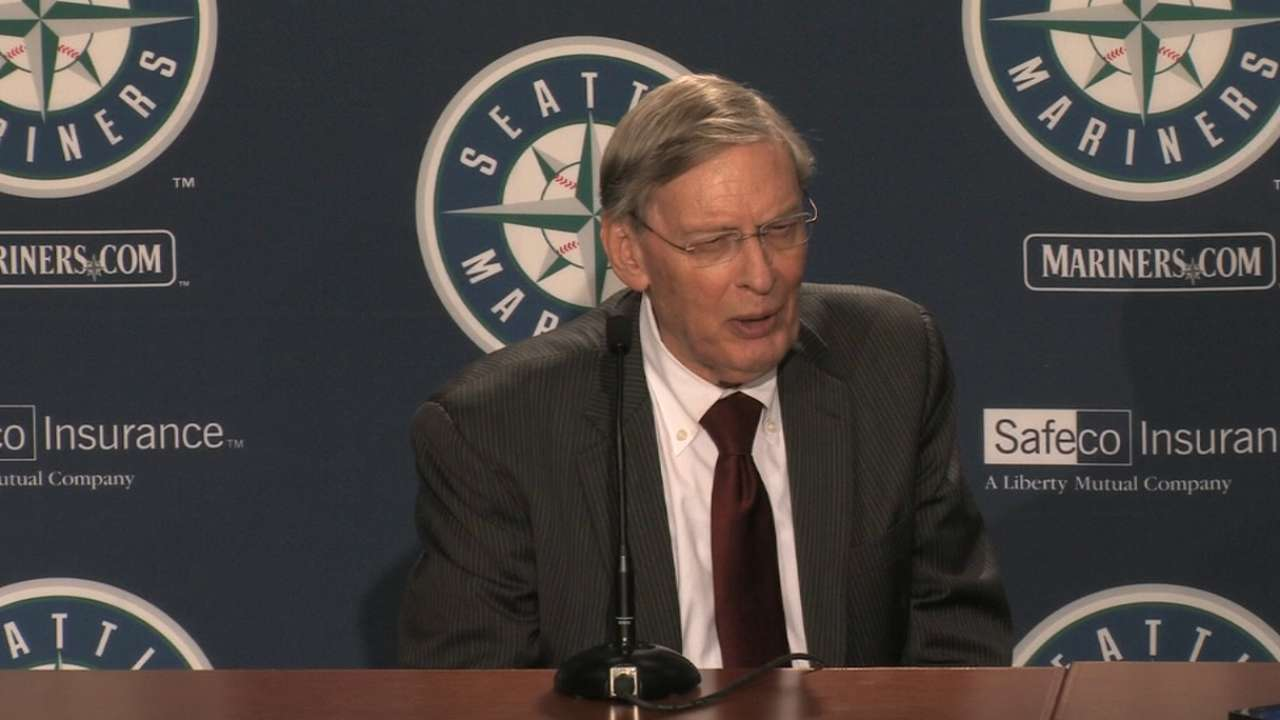 In Seattle, Selig recalls bond with Griffey