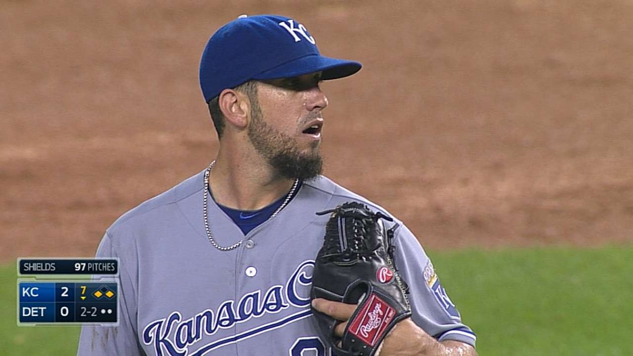 Three Royals combine for shutout