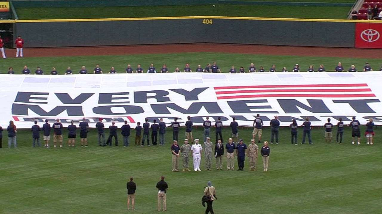 Reds honor 9/11 with special pregame ceremony