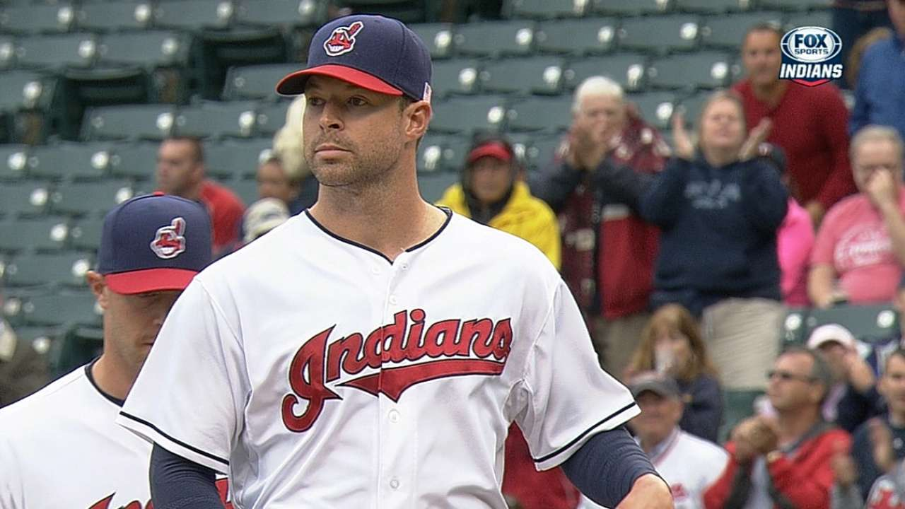Kluber leads Tribe to Game 1 win vs. Twins