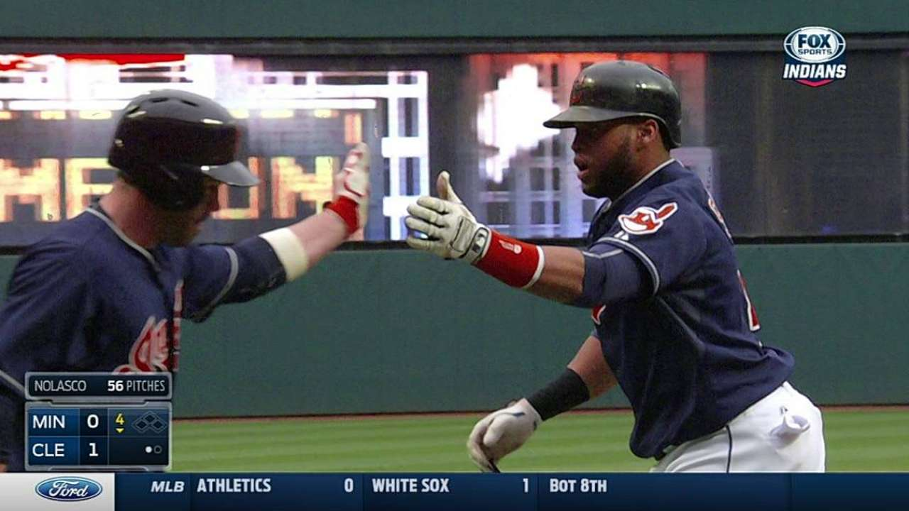 Santana ties own club mark for HRs by switch-hitter