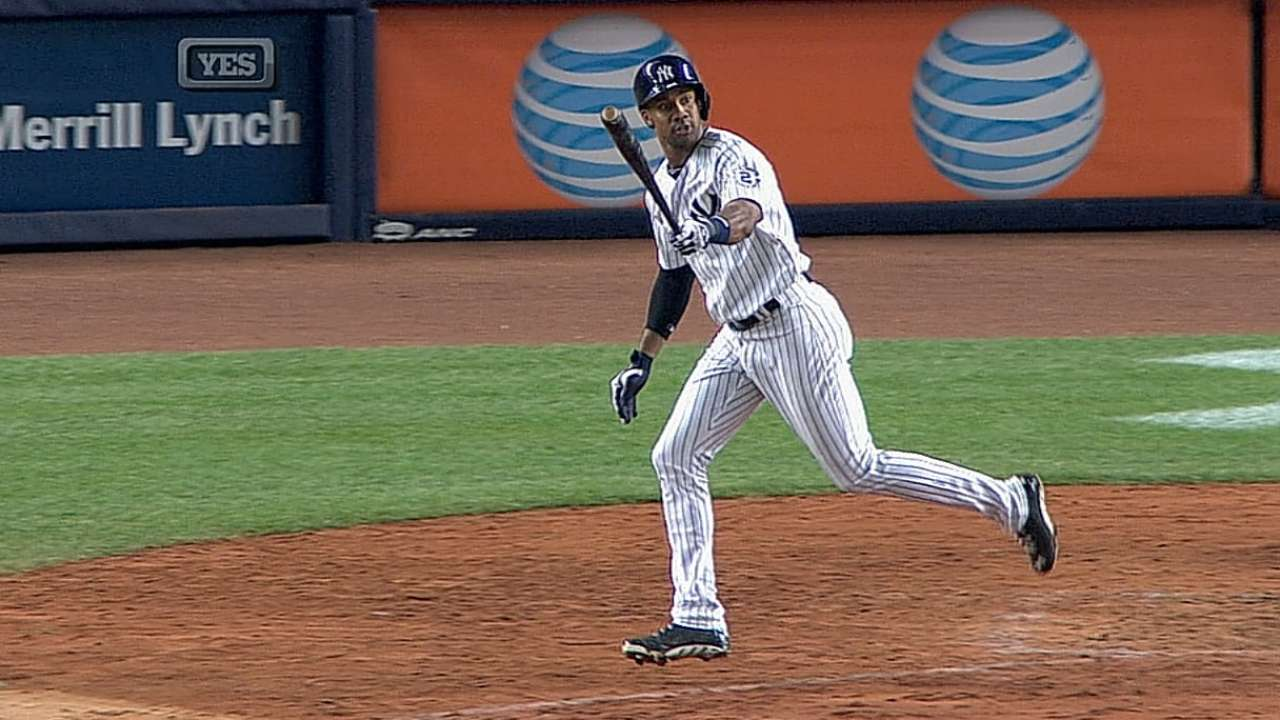 Young's late heroics give Yanks thrilling walk-off win
