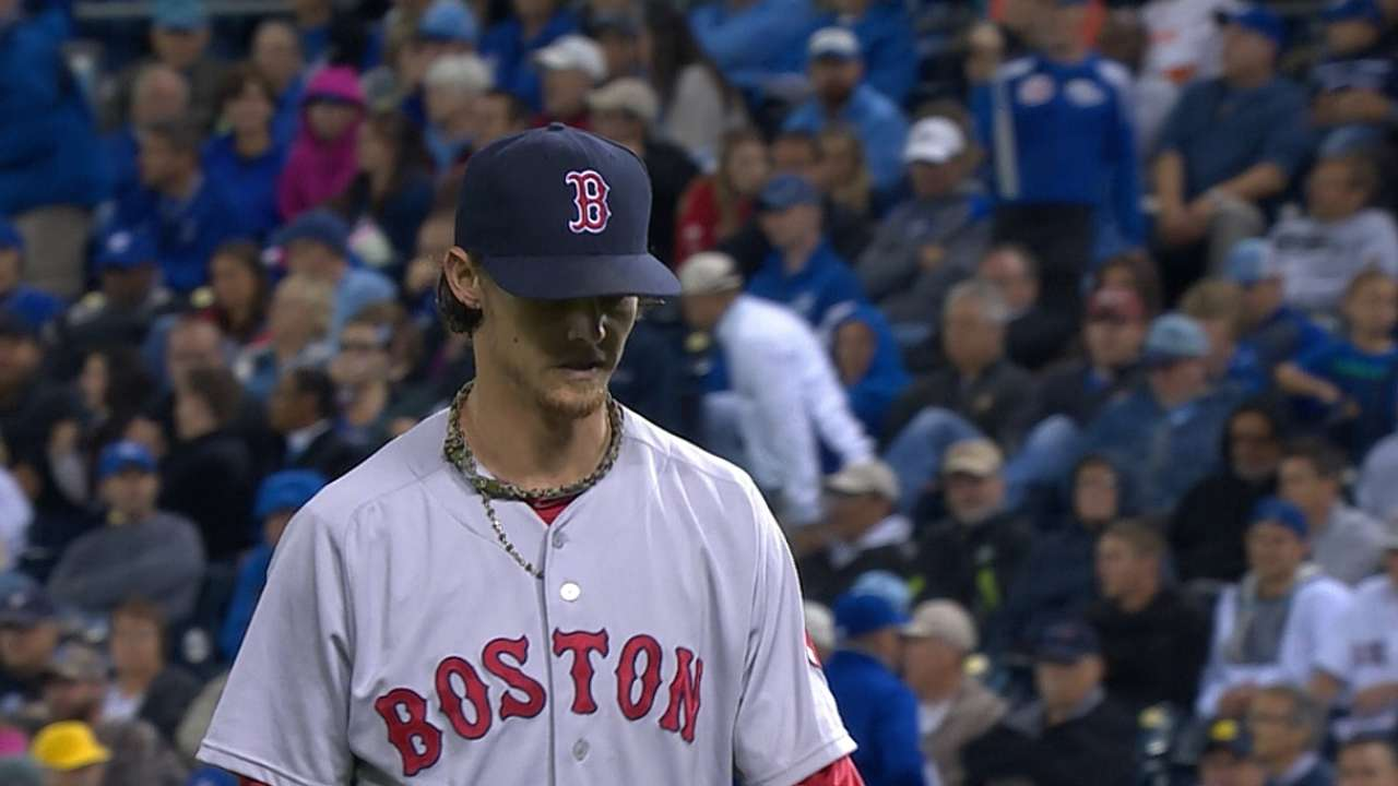 Sox opportunistic in beating first-place Royals