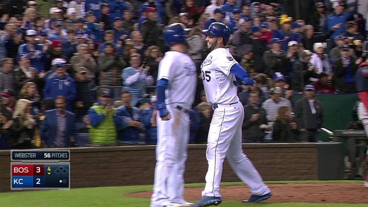 Royals drop struggle with Sox to fall out of first