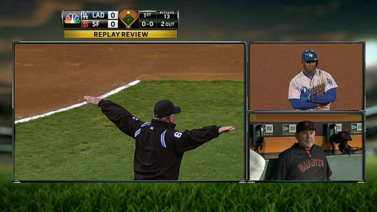Bochy unsuccessful with first-inning challenge