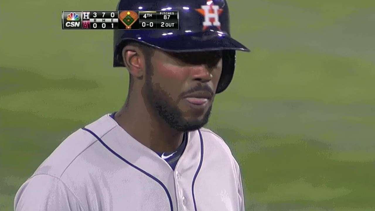 Fowler brilla pero Astros caen con los Angelinos
