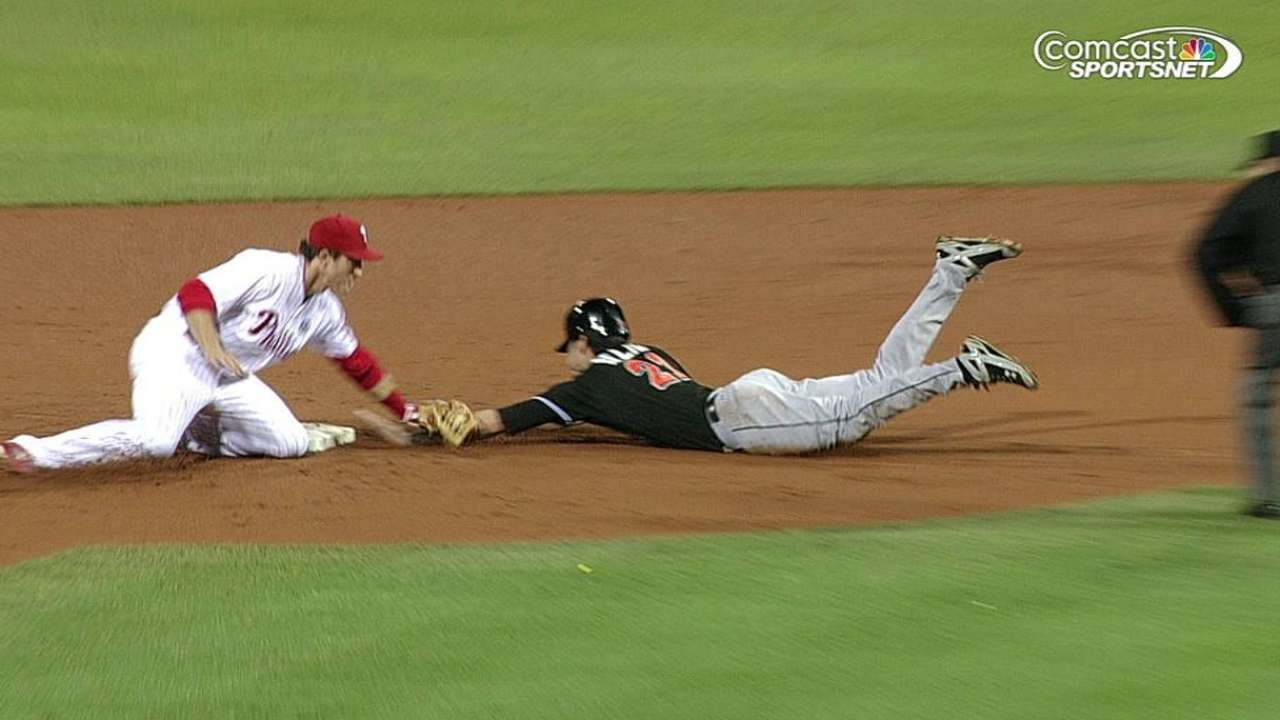 Kendrick, Phillies get help from overturned call