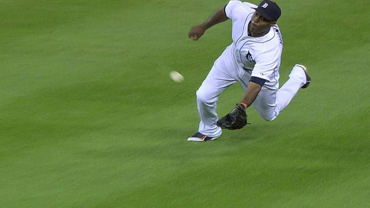 Torii saves game with outstanding diving catch