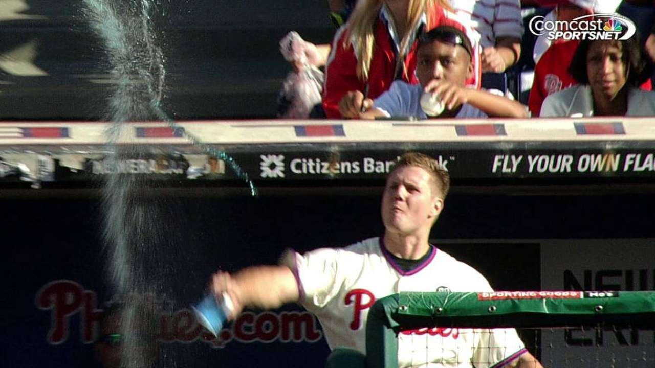 Papelbon ejected after gesture to crowd