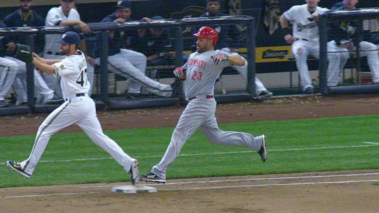 Roenicke wins challenge on play at first base