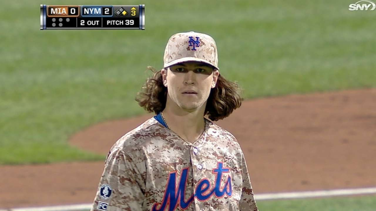 deGrom opens game with eight K's to tie MLB record