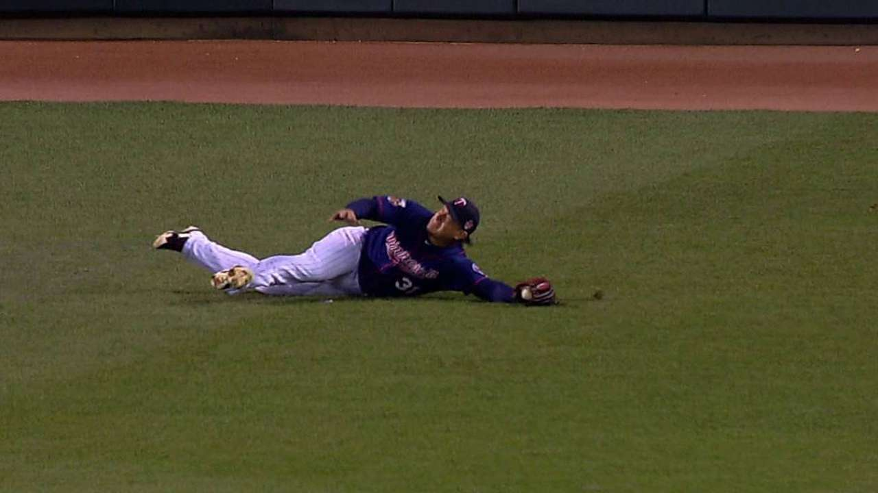Arcia day to day after tweaking back on swing