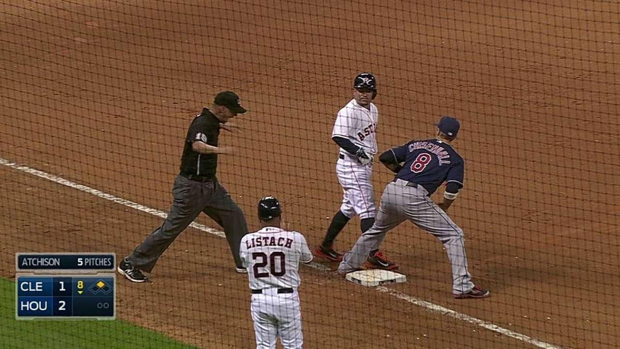 Altuve llega a 209 hits y Astros doblegan a Indios