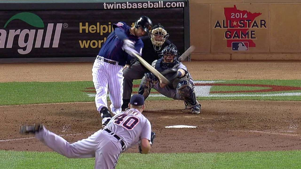 Mauer's four RBIs not enough after Fien falters