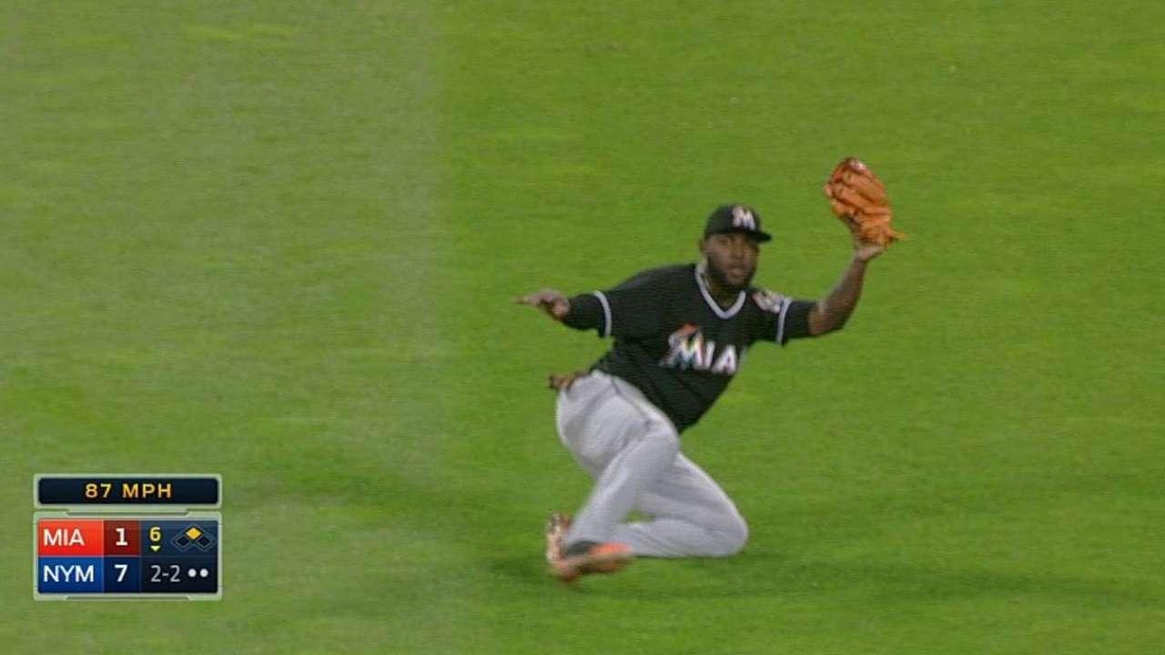 Marlins reciben paliza y caen contra los Mets