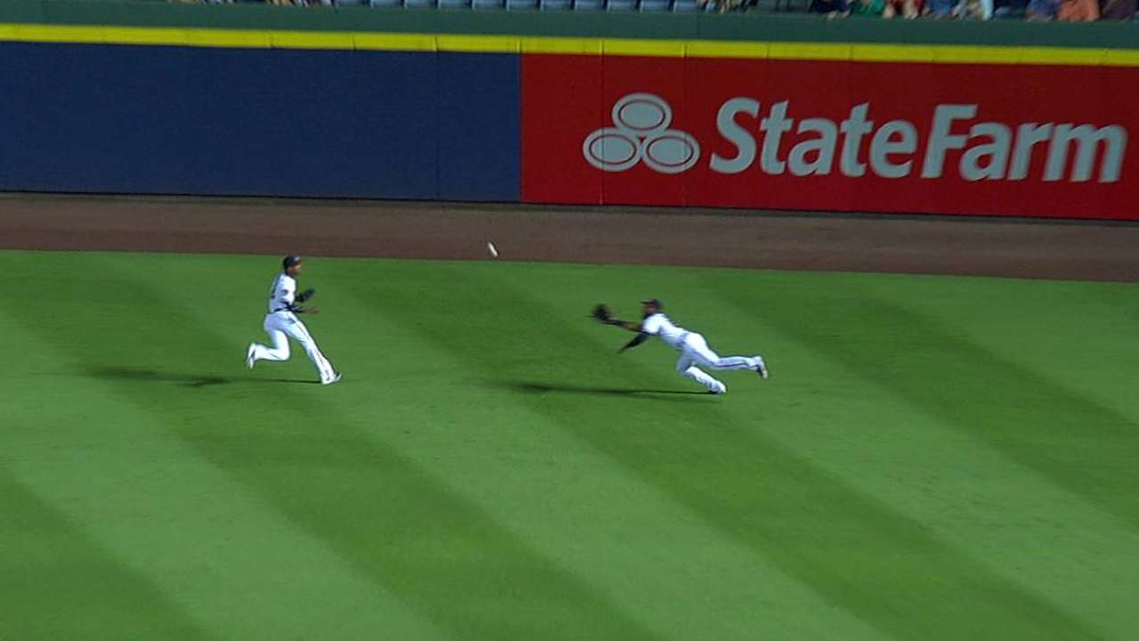 Heyward's diving grab