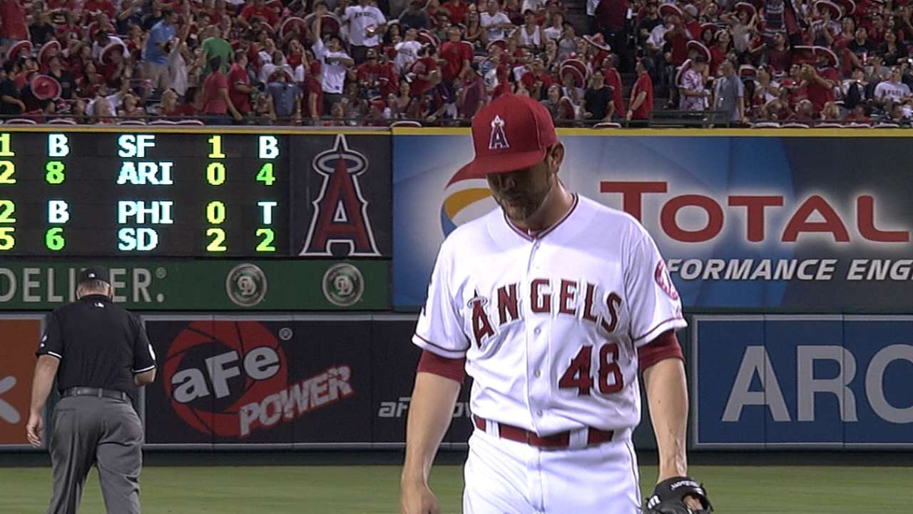 Angels' bullpen approach hits snag in rout